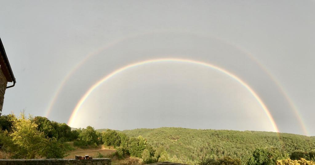 Un arco iris doble en Serracarbassa